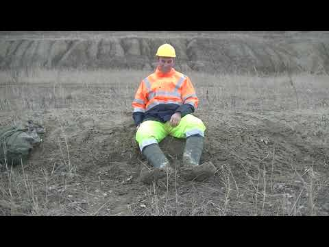 Mudding in HIVIZ and thermo rubberboots 0.