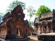 Banteay Srei Temple 01 853x640