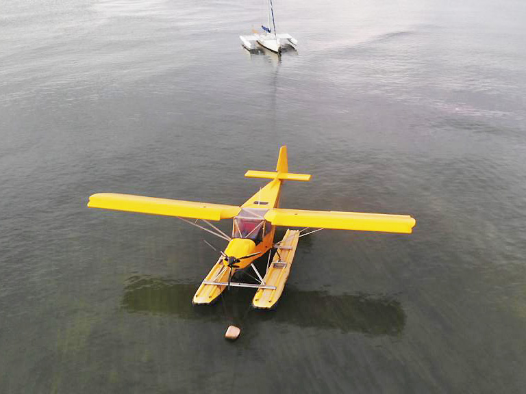 STOL CH 701 on Full Lotus floats