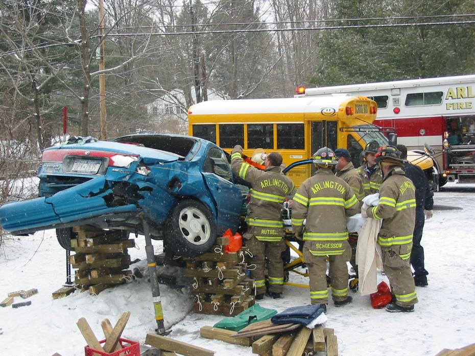 car crash shoring 3-7-07 004