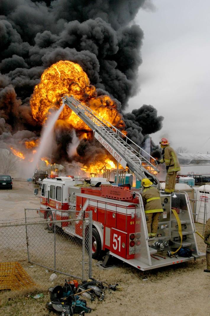 B & M Oil Fire - Okla City