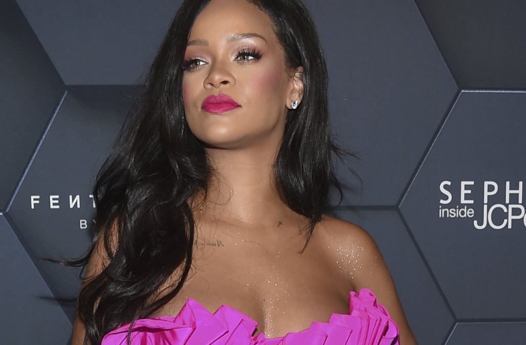 Rihanna & Amy Shumer NFL Decline Superbowl