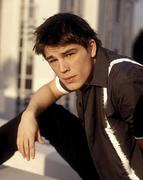 tn2_josh_hartnett_3[1]