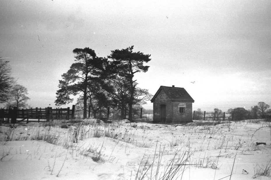 Remains of Salcey Forest SMJ station (winter 1962)