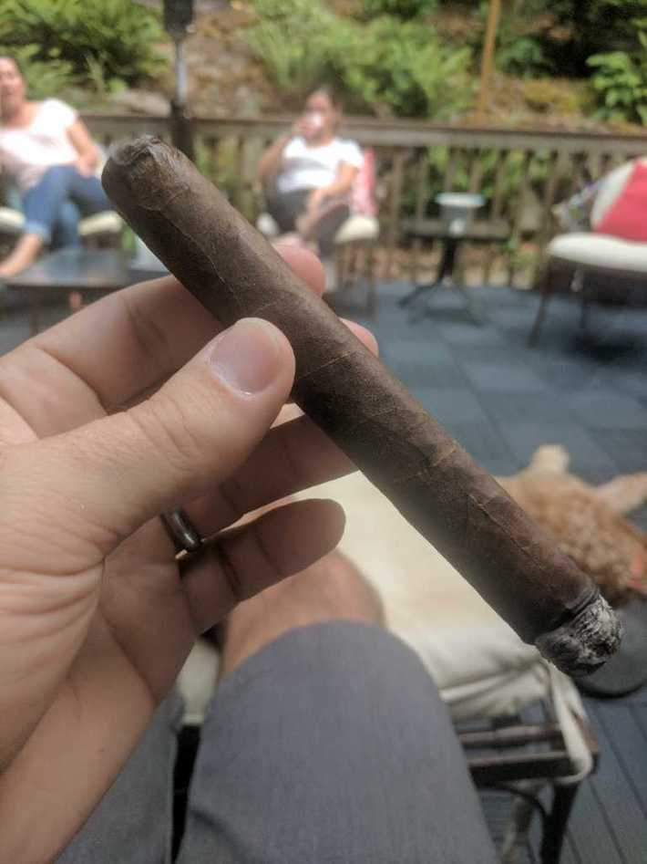 This The Collective is a great stick. I think it has some age as well as the wrapper has a nice brown tint.