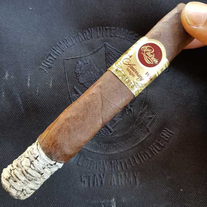 Padron 1964 Anniversary Exclusivo Maduro still on point!