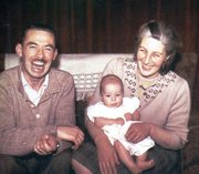 ME AGE 0 MUM AND DAD