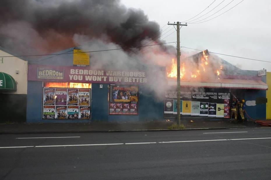 shop fire1