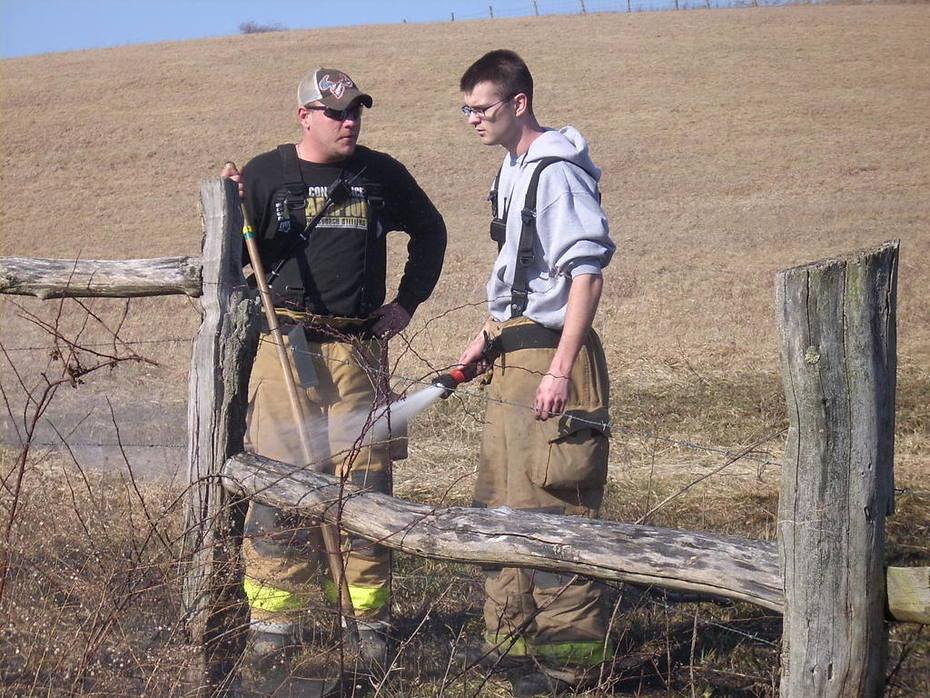 Extinguishing fence post