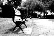 benches bw