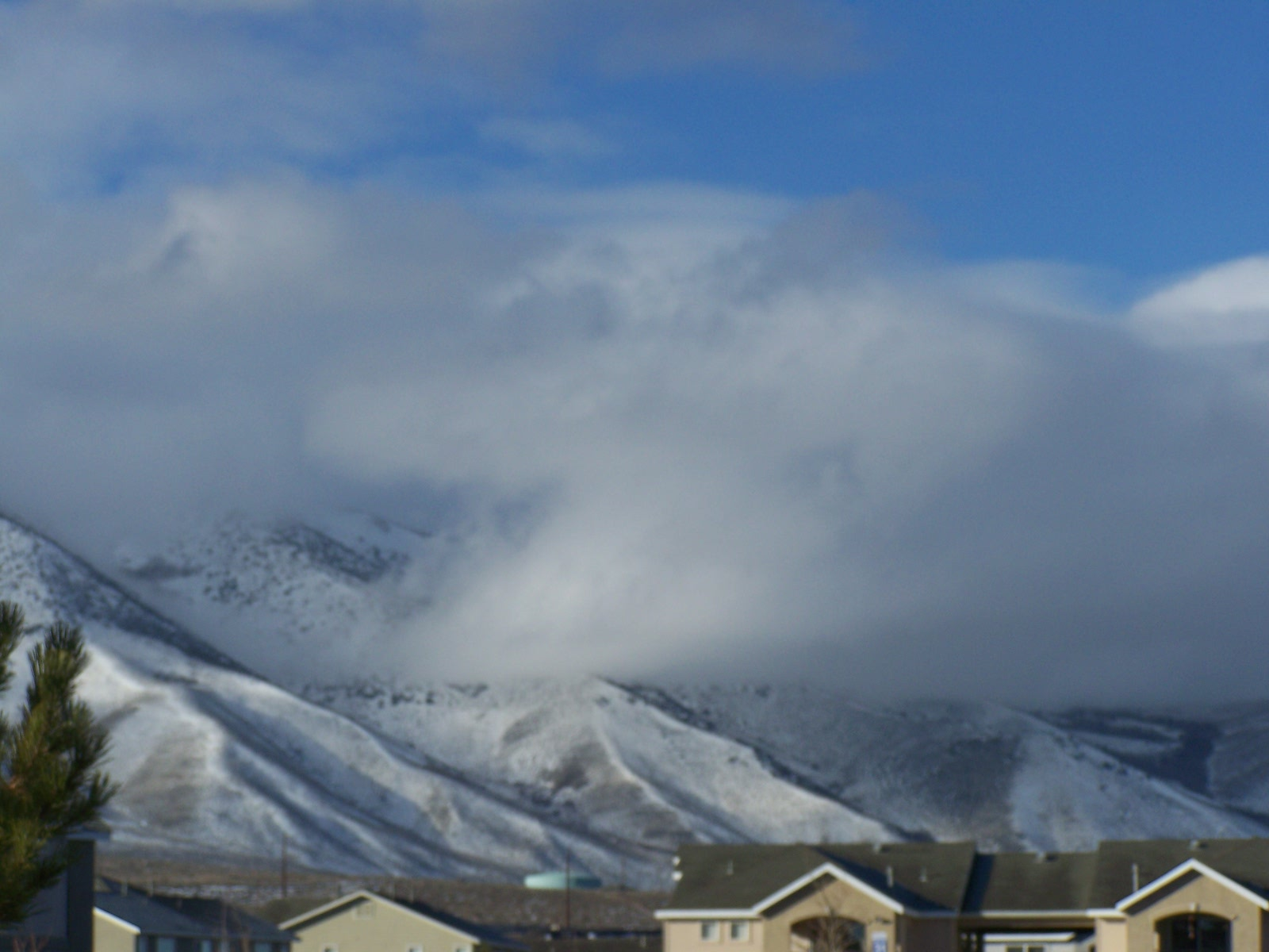 snow comin!