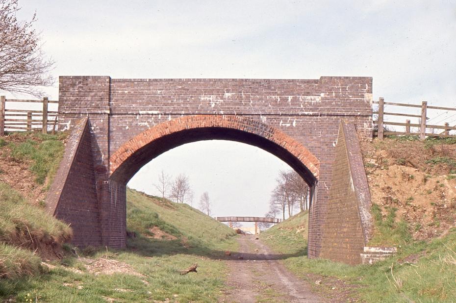 Bridges Nos 168, 169 and 169A near Quinton