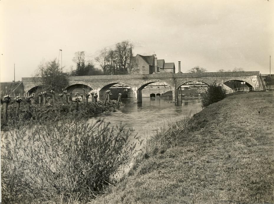 East & West Junc Rly Avon Bridge looking upstream towards Lucy's Mill