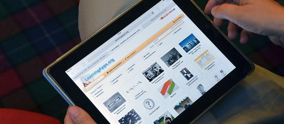 """Neues Lernen mit dem Tablet- Wie die Strategische Partnerschaft """"Changing Paradigm"""" Impulse für den Unterricht an einer Düsseldorfer Berufsschule lieferte"""