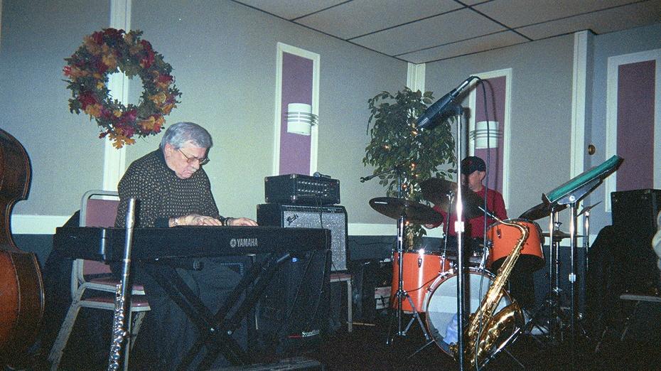 BOBBY - BILLY AT MARTINIS 11-02