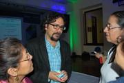 Daniel Contreras habla con el público