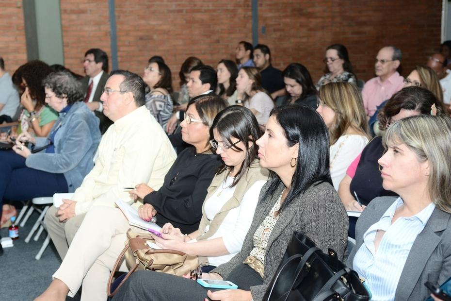 Encuentro en el Colegio Santiago de León de Caracas
