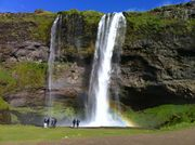 iceland-waterfall3