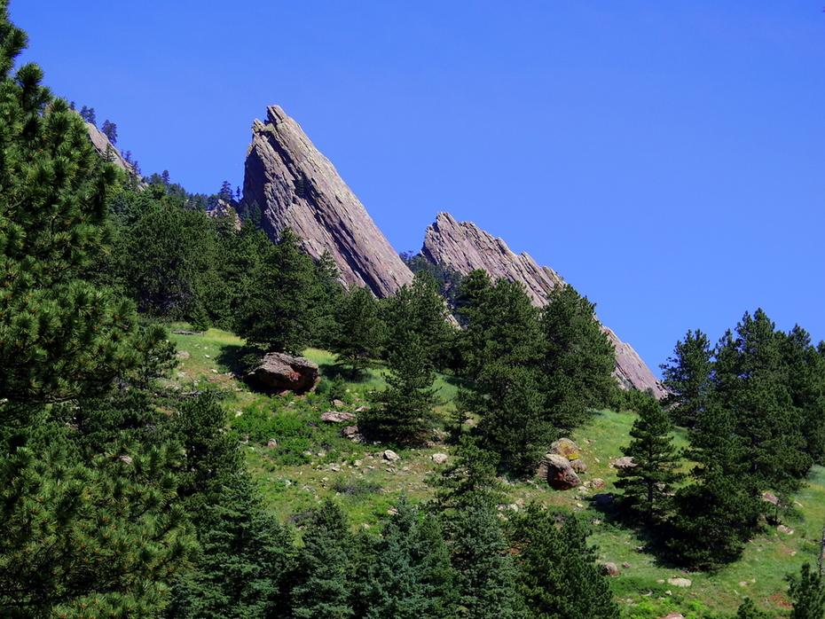 Mallory Cave Hike