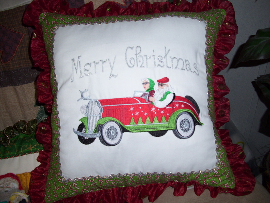 santa & ms claus pillow