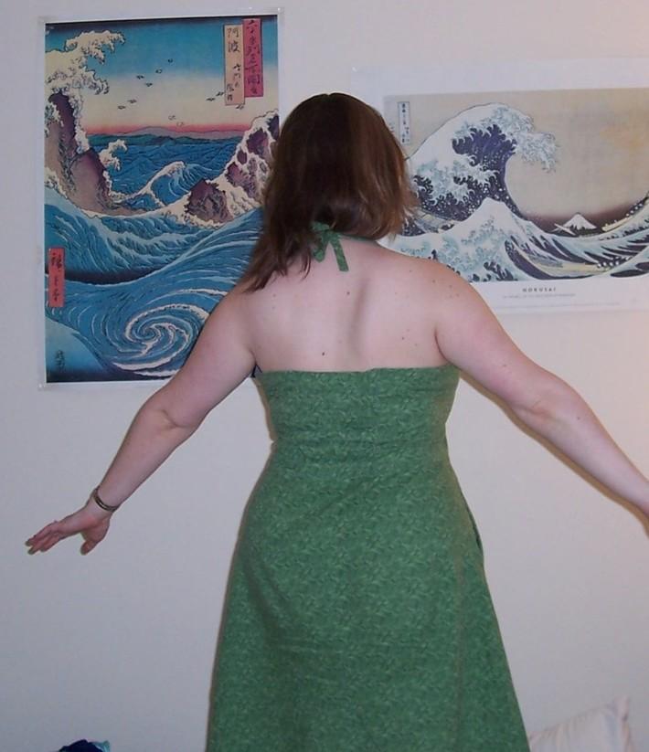 Green_dress_back