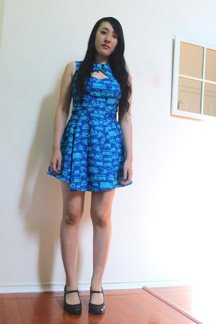 Cut out front - dress