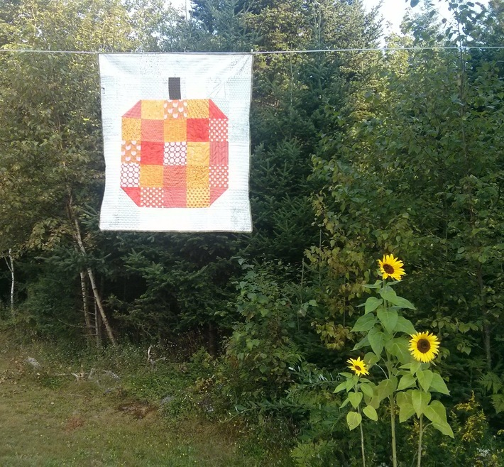 Simple Patchwork Pumpkin Quilt for Fall