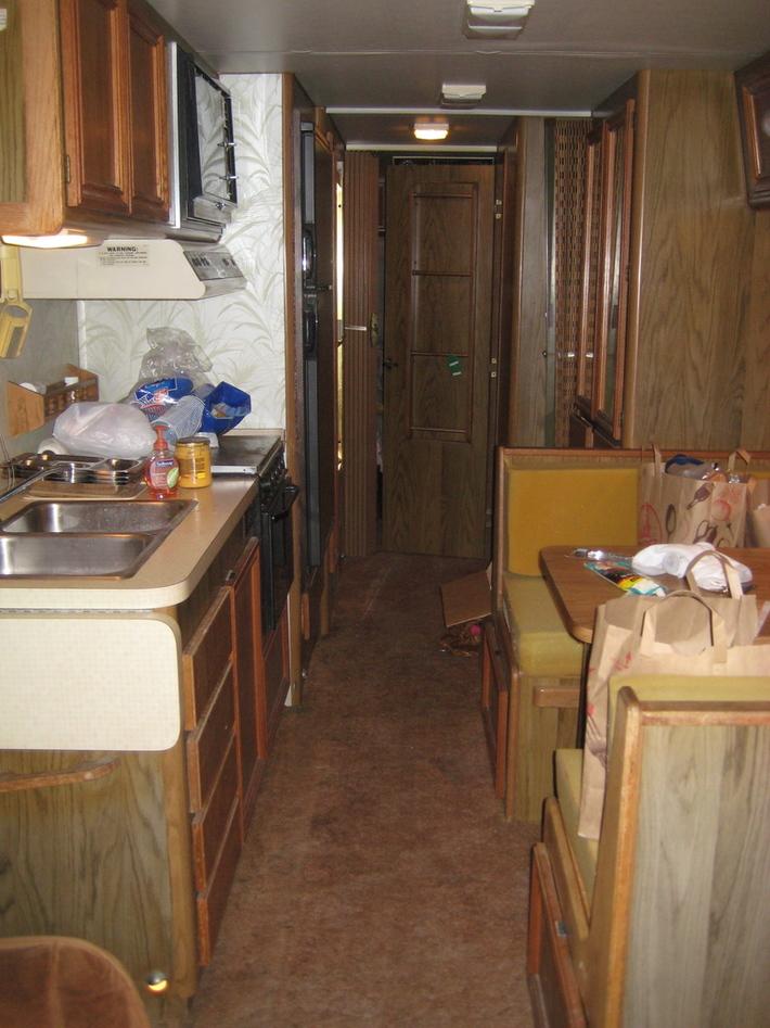 1986 Pace Arrow interior