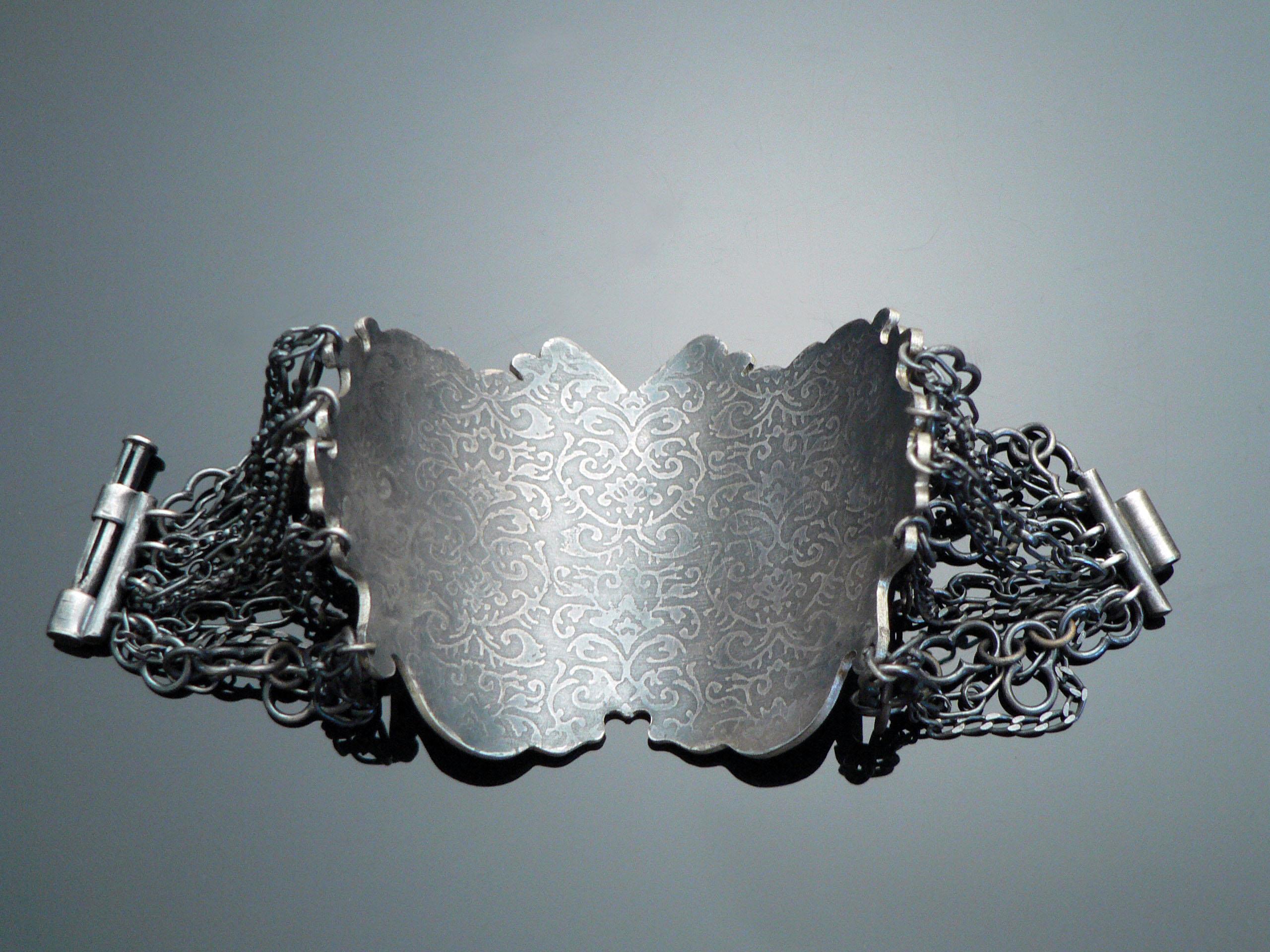 chain bracelet (back)