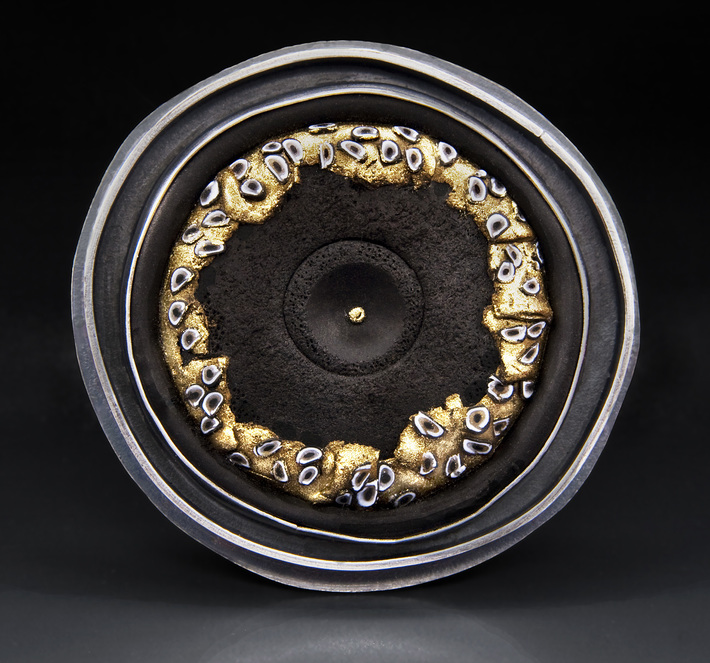 Black & Gold Series Disk Brooch