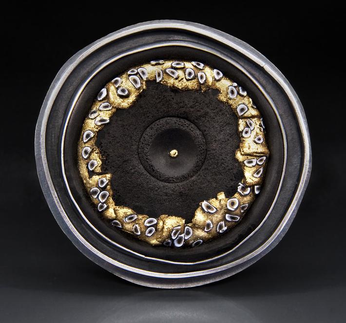 Black & Gold Series Disk Brooch