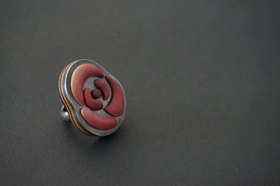 The Rose Ring detail