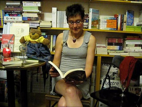 Mitzi Szereto reads at Shakespeare & Company in Vienna, Austria on Vimeo