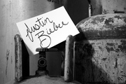Dia 8 - Un Autógrafo De Justin Bieber (Dedicado) - Robert Dos Passos V