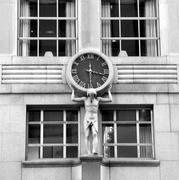 Reloj de Tiffany 5th. Av, NY. b&n
