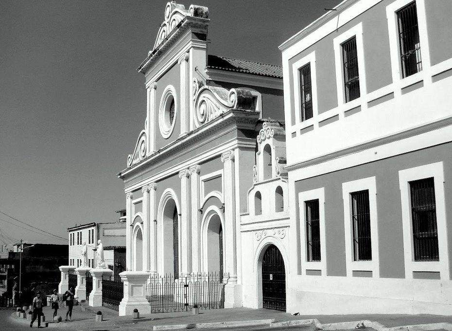 Catedral San Pedro Apostol de La Guaira, diseñada y construída por el Arq. Pedro Arístides Moreau en el año 1857