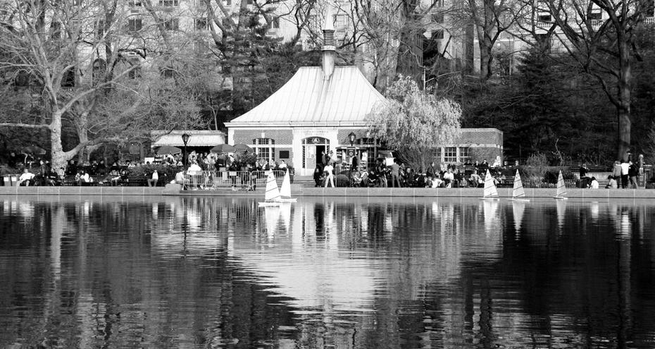 Veleros a escala,  Central Park, NY