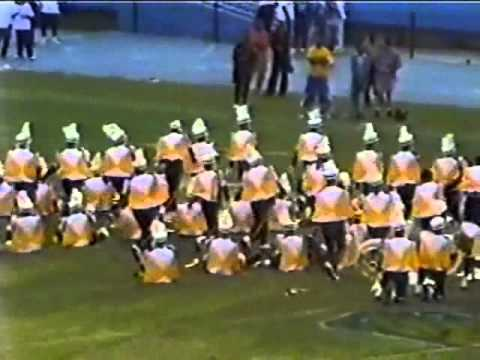 LLI-Dance Routine 2003 In Front Of SU Band