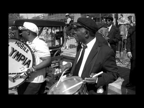 "Jukebox Brass Band - ""Let your mind be free"""