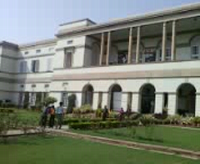 Teen Moorthi Bhavan
