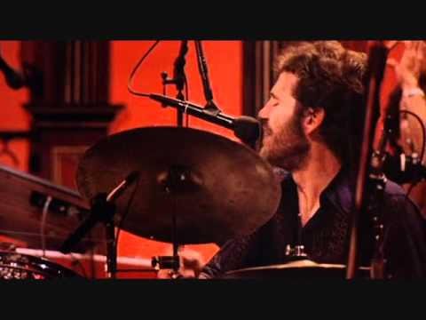 RIP Levon Helm (1940-2012) The Band - The Night They Drove Old Dixie Down (11 25 1976)