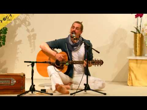 Mantra Video: Kai chants the  Shakti Mantra