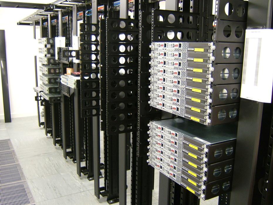 transtec servers in open racks DSCF1849