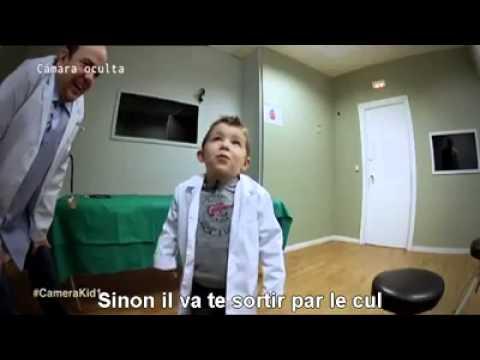 Camera cachée – 'L'innocence des enfants' – Le patient avec un poussin dans l'estomac