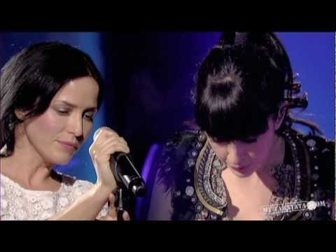"Nolwenn Leroy&  Andrea Corr ""Woman Of Ireland"" (Live on Taratata Mai 2005)"
