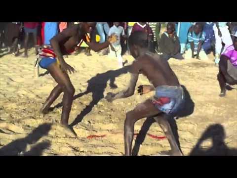lutte senegalaise enfants Dakar - YouAndArt