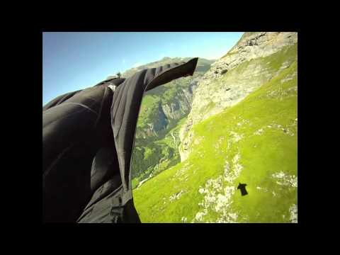 Jeb Corliss breathtaking wing-suit flight