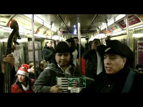 """SANTACON NYC 2010  SINGING SANTAS ON THE SUBWAY  """"Feliz Navidad"""" 12/11/10"""