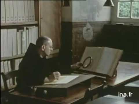 Dom Jean Claire à l'Atelier de paléographie musicale de Solesmes