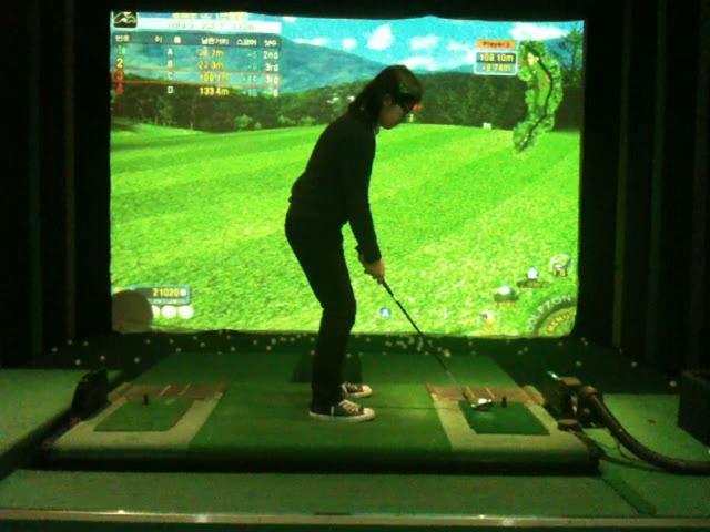 Playing Digital Golf